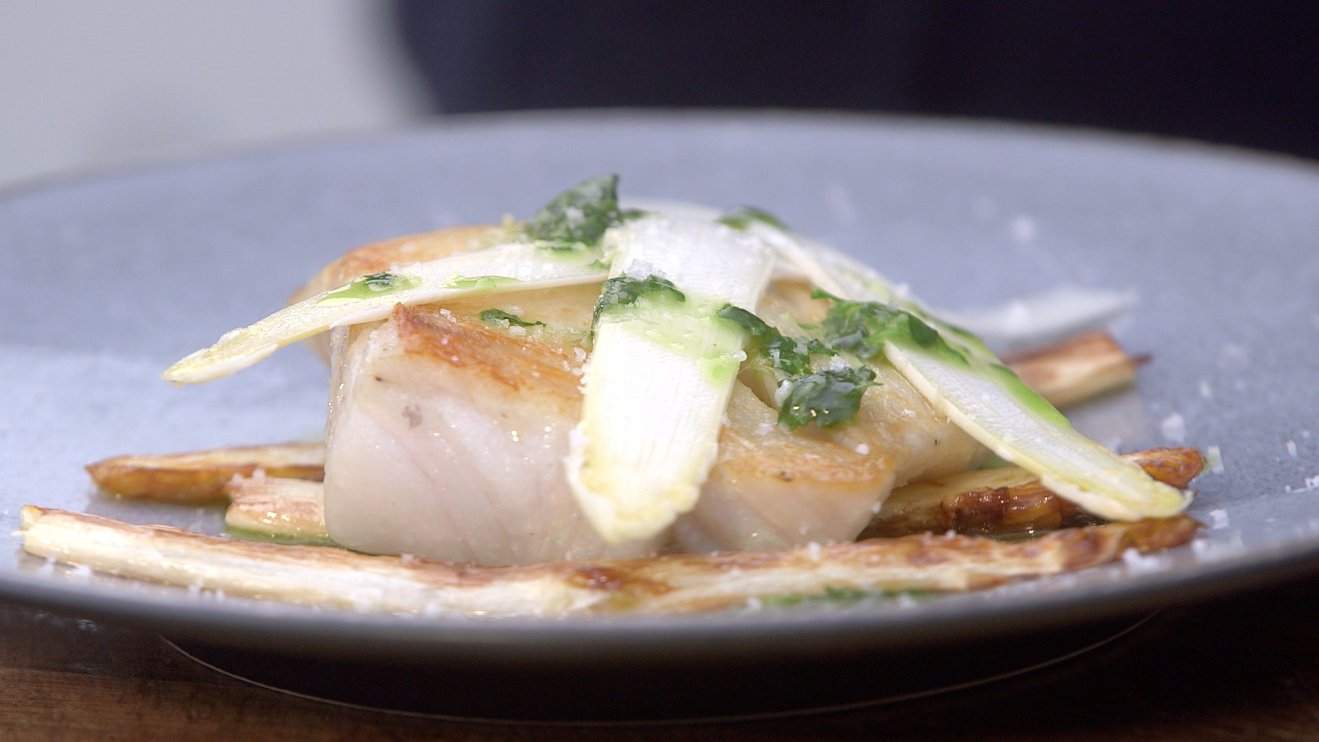 Ma recette de lieu jaune asperges blanches sauce verte - Recette cuisine tf1 petit plat en equilibre ...