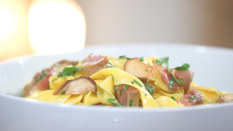 Ma recette de pappardelle aux c pes et au lard laurent - Mytf recettes de cuisine laurent mariotte ...