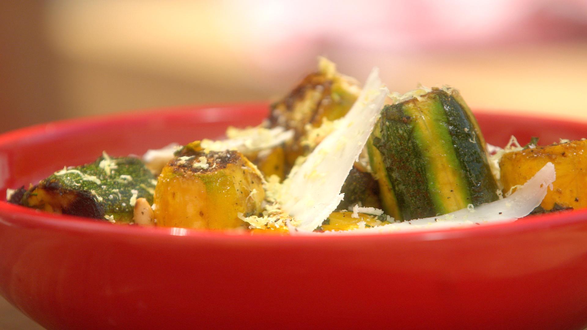 Ma recette de salade de courgettes grillées à la tomme de