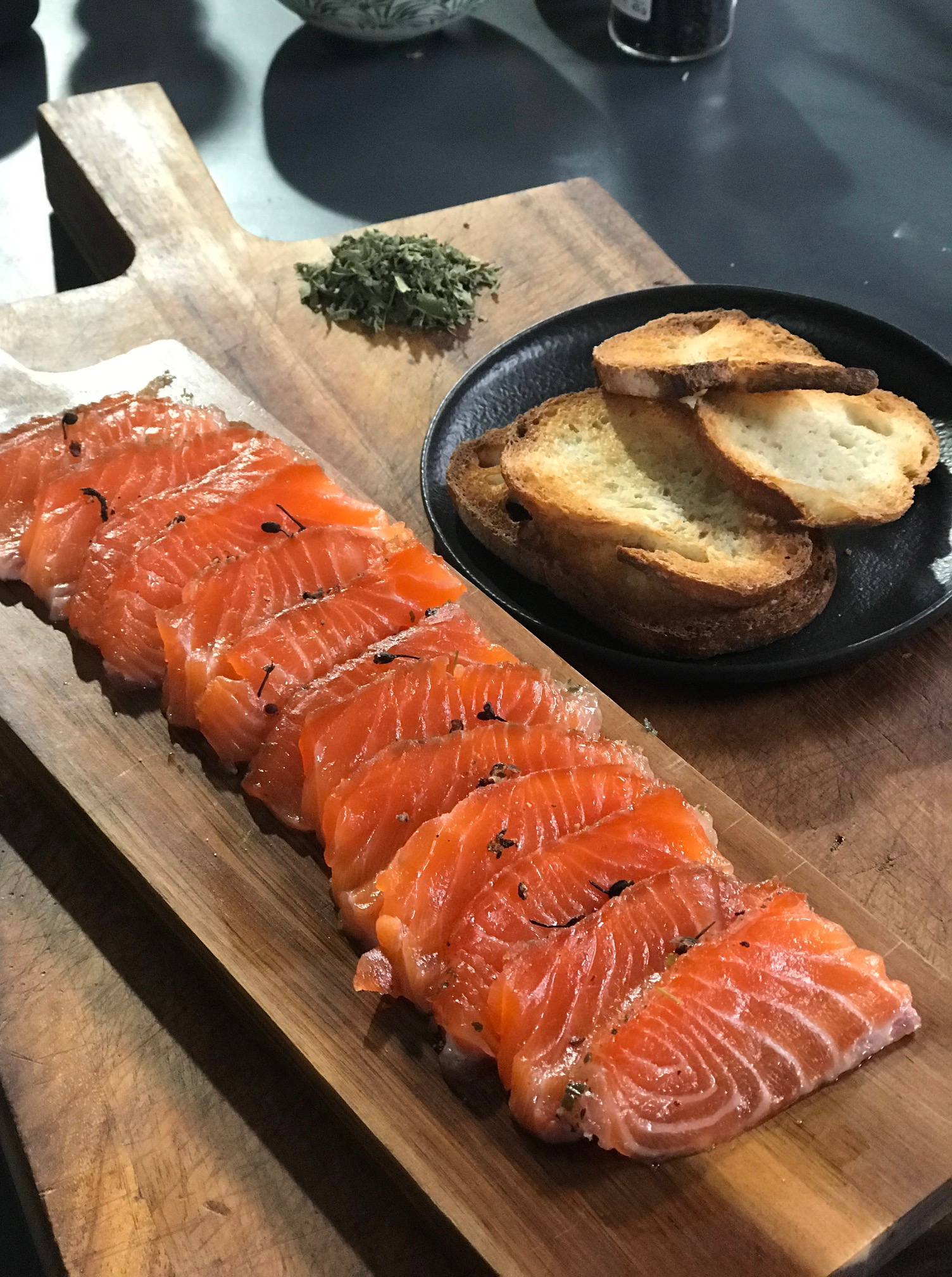 Ma recette de gravlax de saumon , Laurent Mariotte