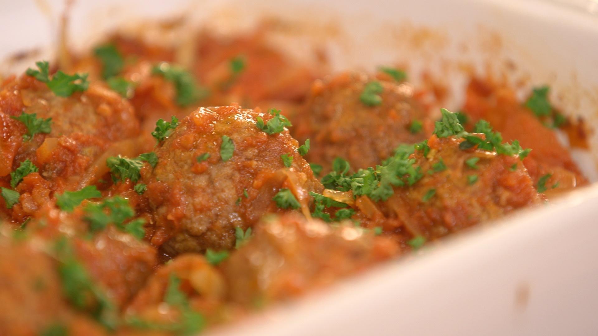 Ma recette de boulettes sauce tomate fenouil laurent - Comment cuisiner les boulettes de viande ...