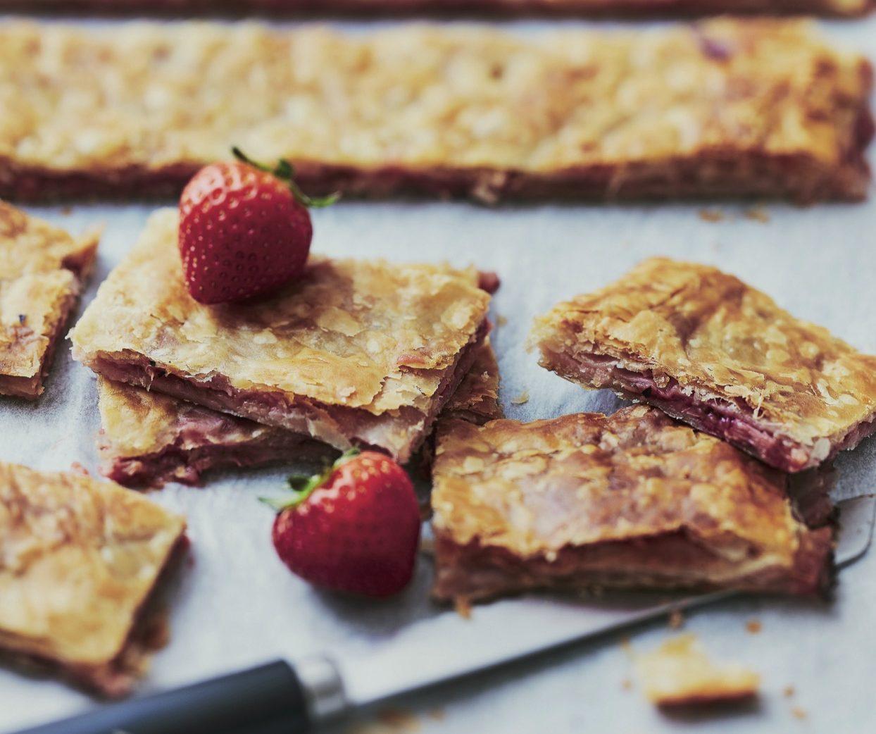 Ma recette de gaufrettes aux fraises et la rhubarbe - Dernier livre de cuisine de laurent mariotte ...