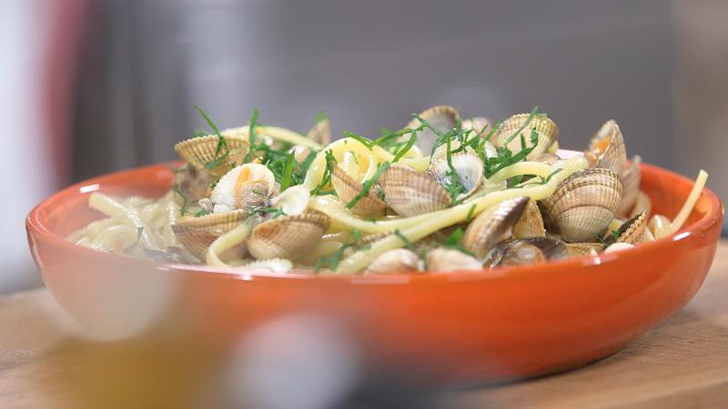 Ma recette de linguine aux coques laurent mariotte - Recette cuisine tf1 petit plat en equilibre ...