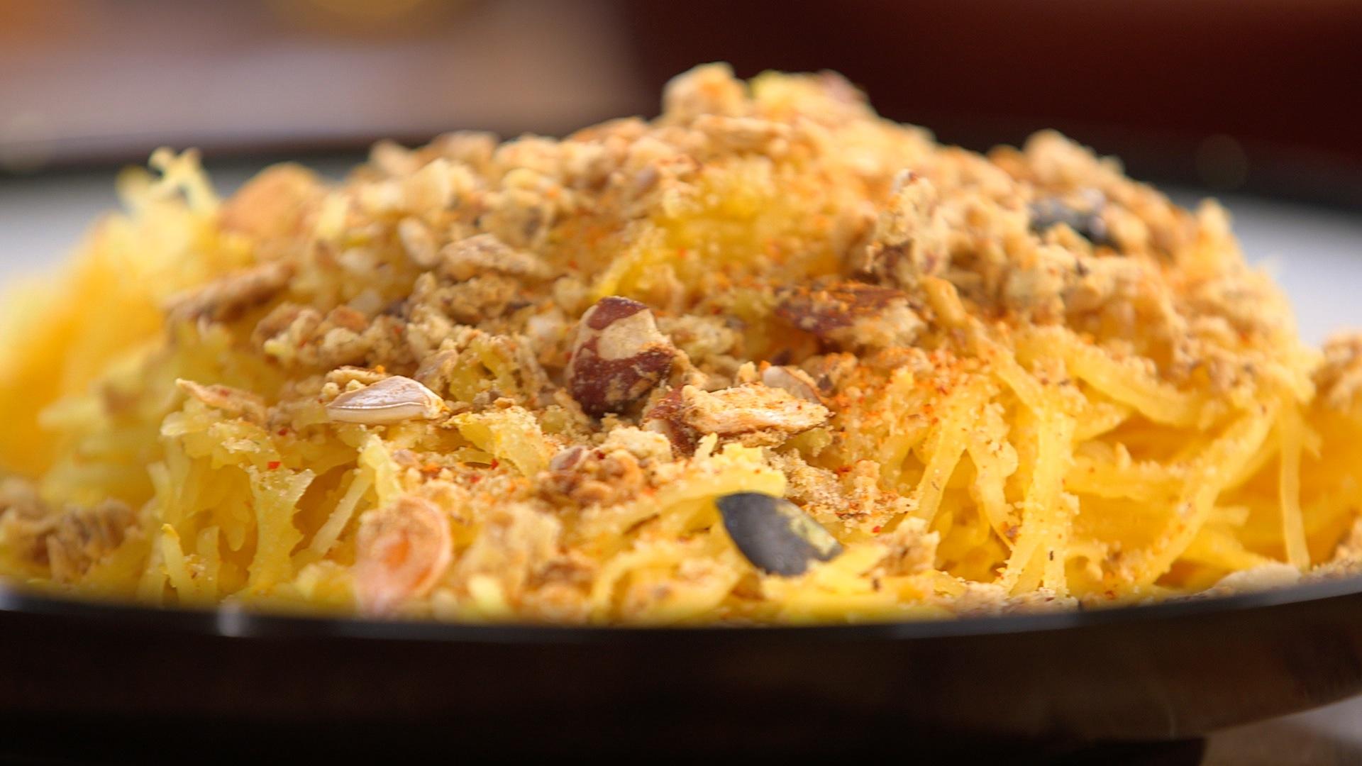 Ma recette de crumble de courge spaghetti laurent mariotte - Recette cuisine tf1 petit plat en equilibre ...
