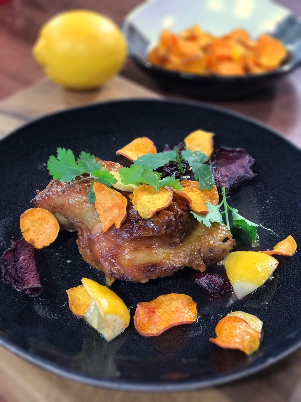 ma recette de cuisses de poulet au citron laurent mariotte. Black Bedroom Furniture Sets. Home Design Ideas